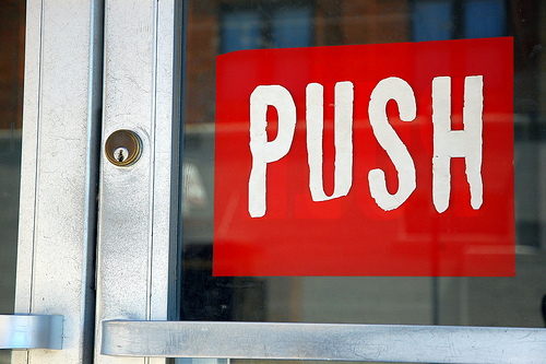 5 Other Ways to Nurture MOFU Leads Besides Using Marketing Automation