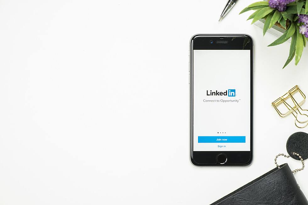 How to use LinkedIn to close more deals in 2021