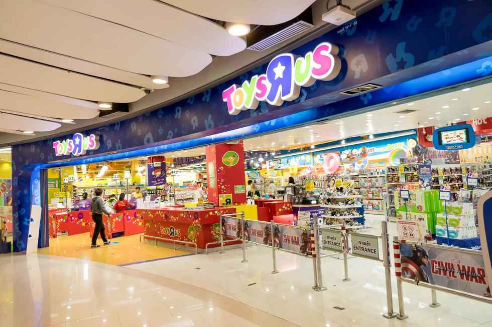Toy-R-Us attempts reinvention to match new consumer trends