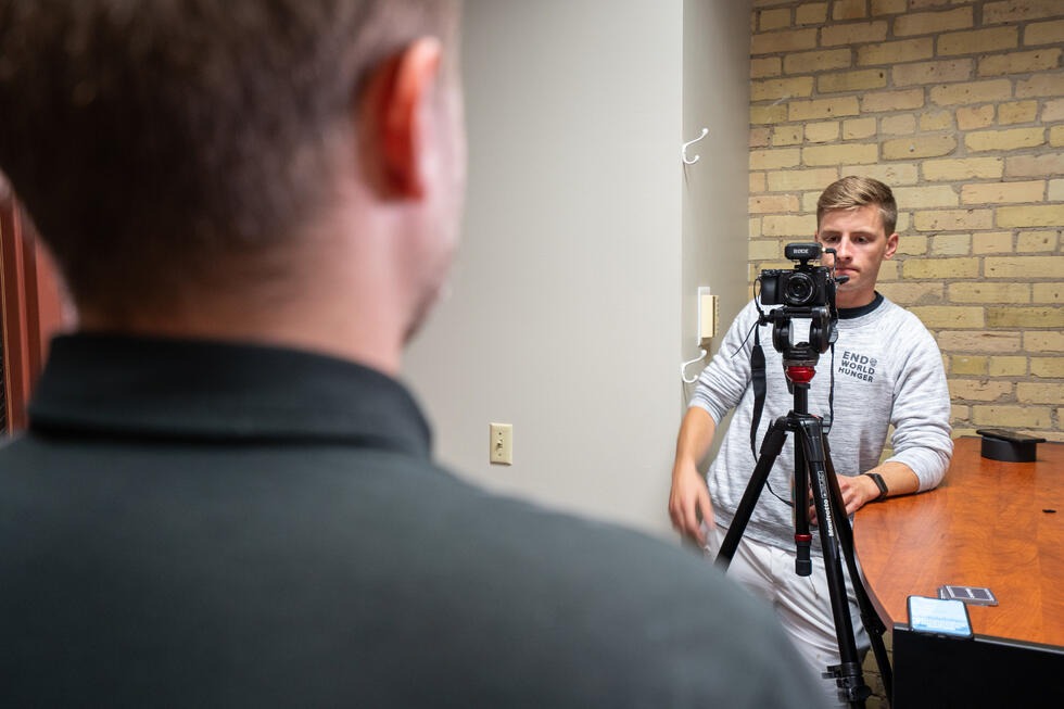 Videographer Tips: How to Make People Comfortable In Front of the Camera