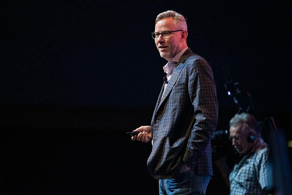 Experience disruption: 3 keys to staying competitive from HubSpot's Brian Halligan [Video]