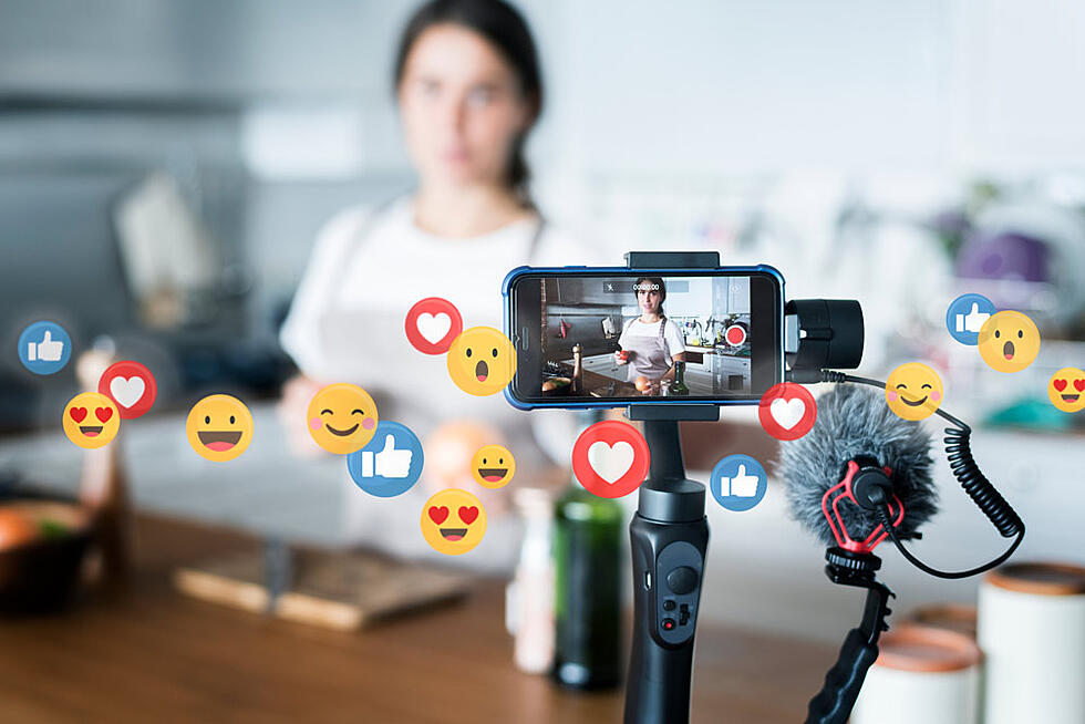 How to use mirror neurons to win fans with your marketing videos