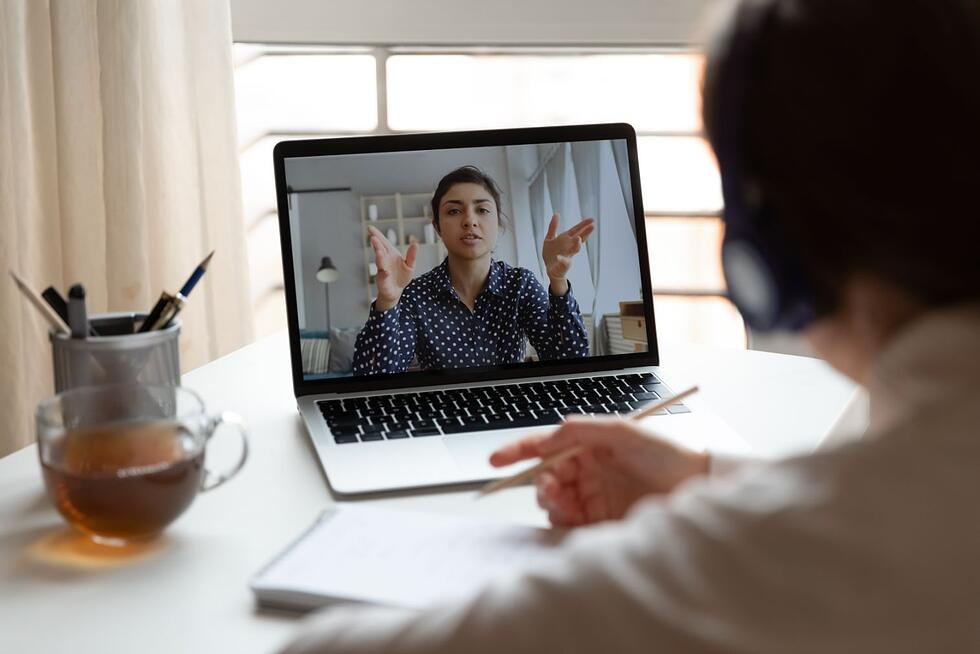 3 ways sales pros can make a great first impression (while selling virtually)