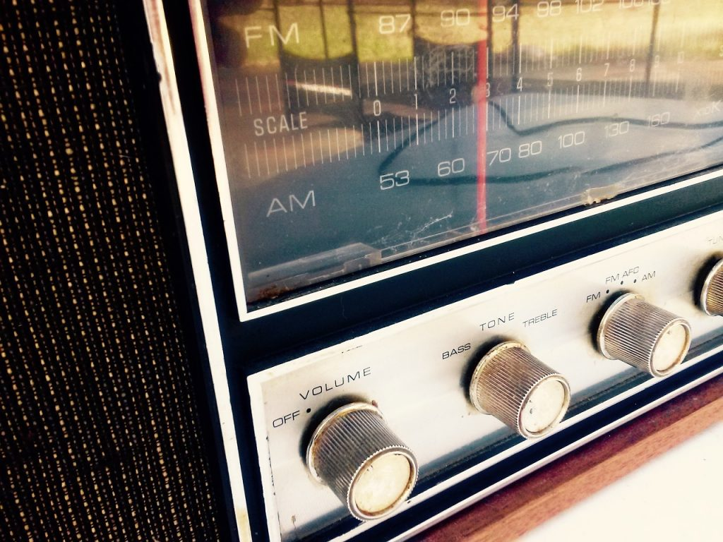 Why Radio Advertising is a Really, Really Stupid Waste of