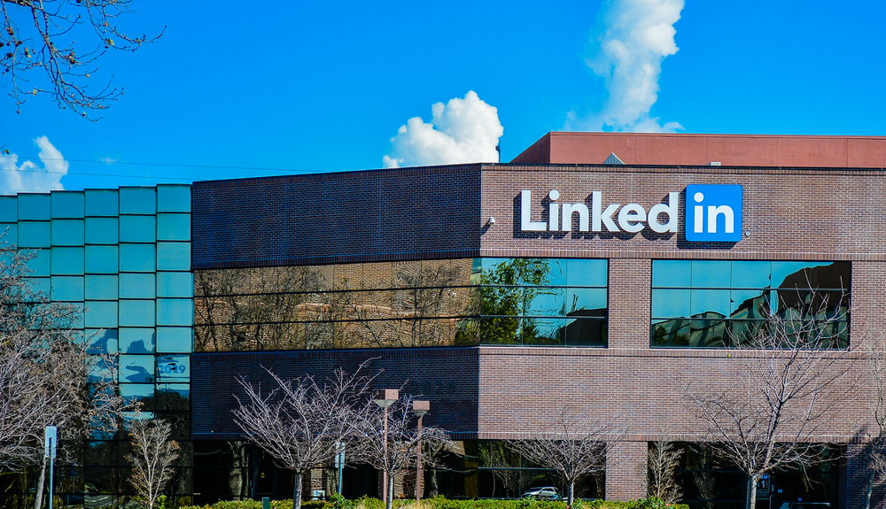 LinkedIn's new feed algorithm favors 'dwell time' — a burgeoning SEO metric