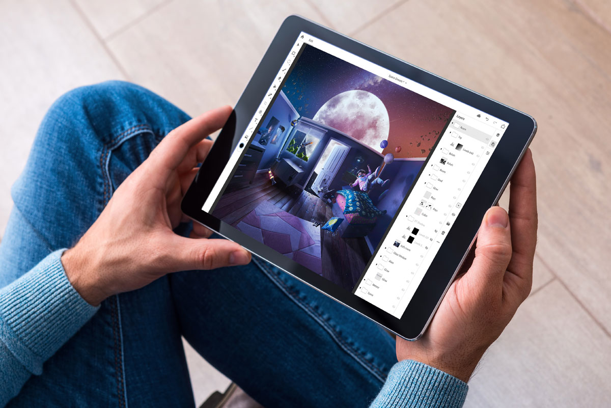 Adobe Is Rolling Out a Full Version of Photoshop for iPad