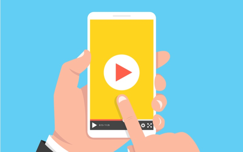 Don't Flip That Phone. Vertical Video is a Must for Marketers! [Infographic]