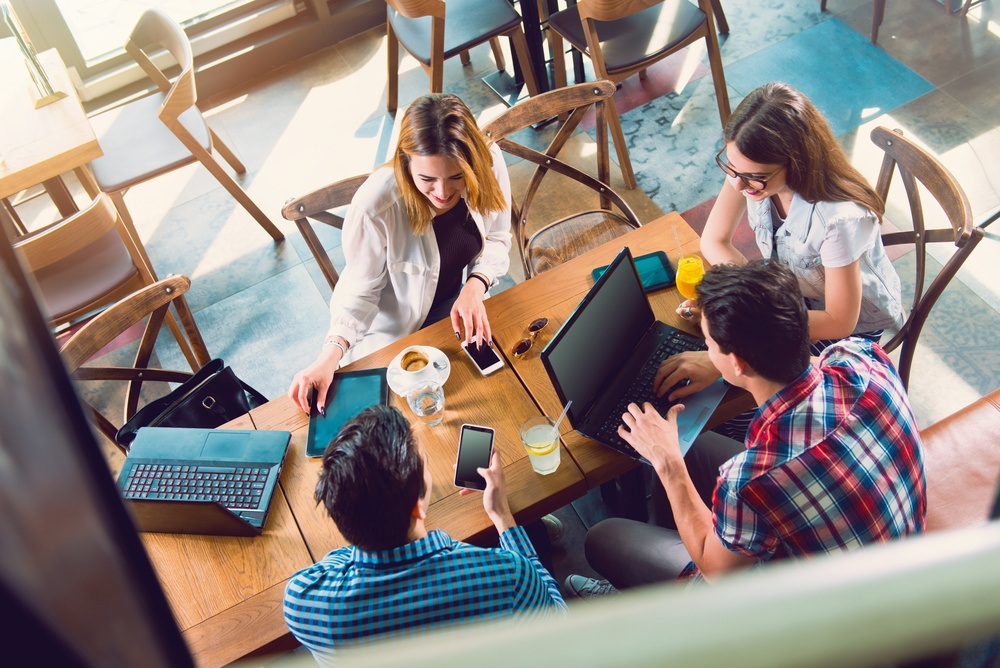 7 Tips for Managing a Remote Team [Infographic]