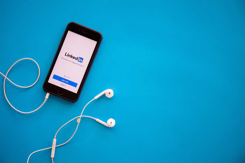LinkedIn Now Offers Moat Analytics Integration For Video Marketing Metrics