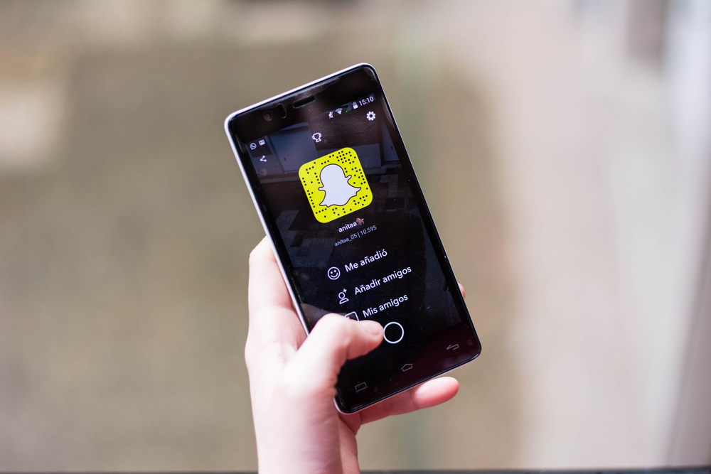 New Snapchat Feature Lets You Search & Shop From The App