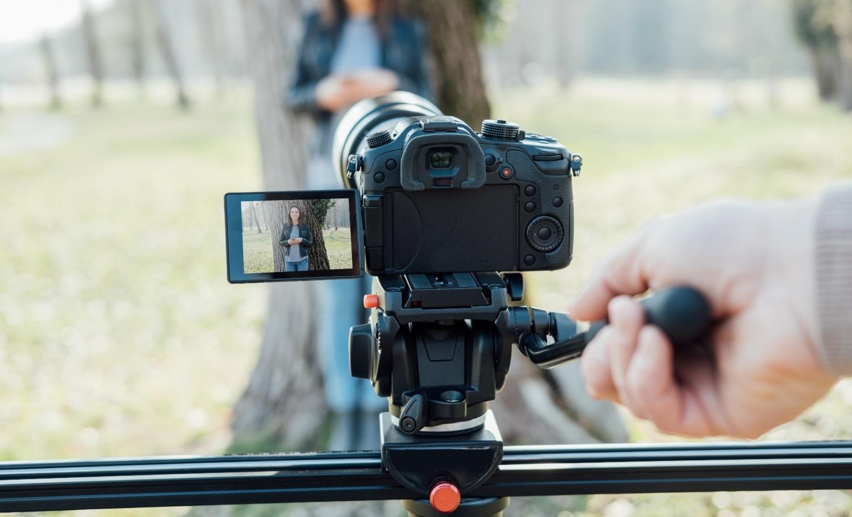 4 Reasons You Shouldn't Buy a DSLR Camera